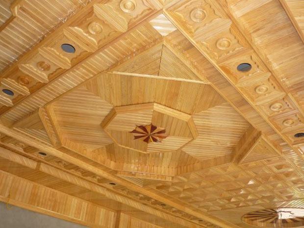Trần nhà bằng gỗ